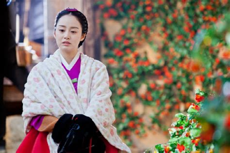 free download film drama korea jang ok jung kim tae hee looks beautiful even in the cold weather soompi