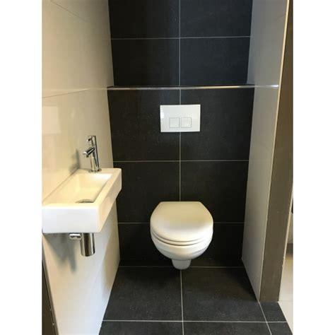 Toilet Tegel Op Tegel by Complete Toiletruimte Met Tegels Ensphinx Toilet Actie