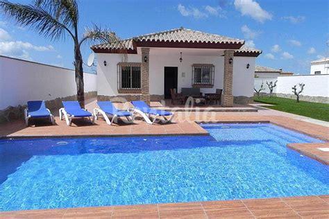 casa con piscina privada casa con piscina privada y piscina bar conil de la
