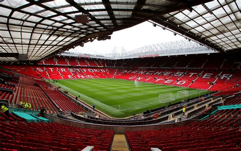 Olsens Hold Onto Top Earners Position united atop football world s top earners financial