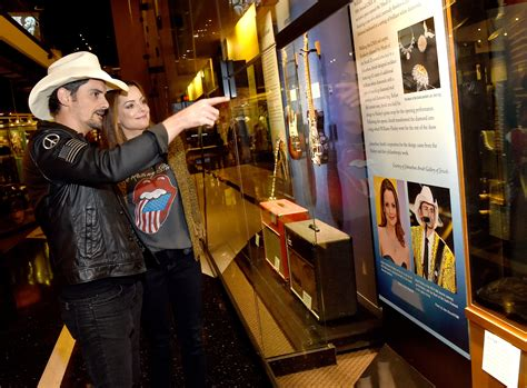 country music museum artists brad paisley revels in nostalgia during opening of country
