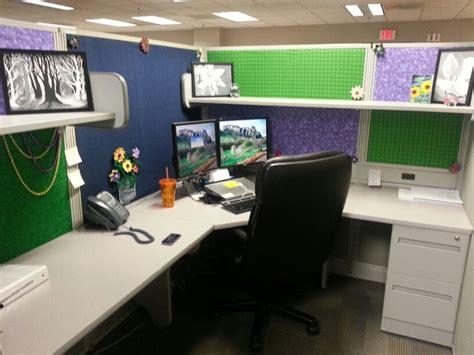 cubicle life pt 2 cubicle decor ethan emilie cubicle decorating ideas office
