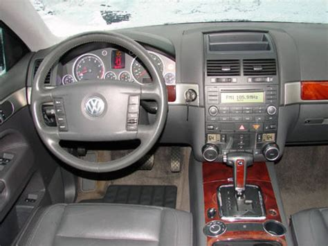 volkswagen touareg interior 2004 volkswagen touareg 2014 black image 162