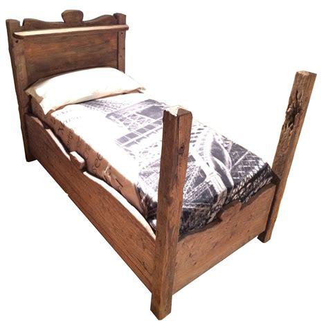 letto antico legno tavoli sedie arredamenti porte finestre in legno antico