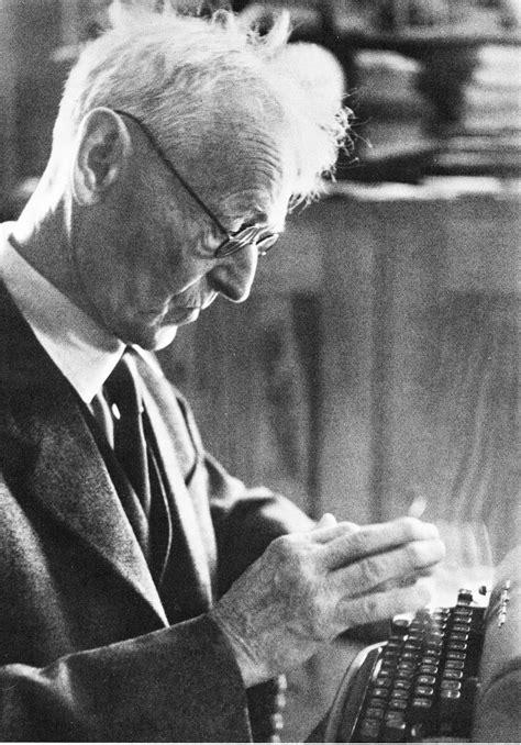 oz.Typewriter: One Hermann Hesse Typewriter Leads to Another