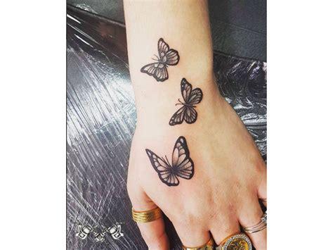 tatuaggi fiori farfalle braccio tatuaggio farfalle foto grazia it