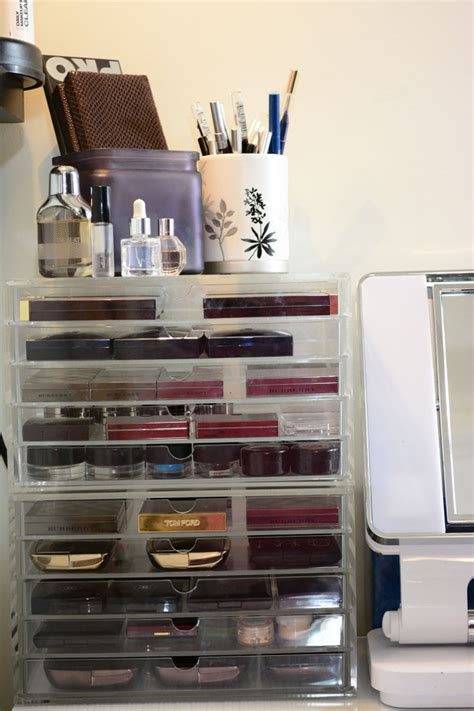 Makeup Vanity And Storage by Vanity And Makeup Storage Lipstick Latitude