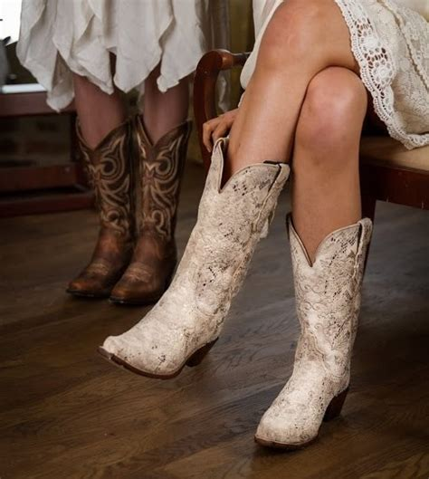 Wedding Boots For by How To Pair The Boots With Your Wedding Dress