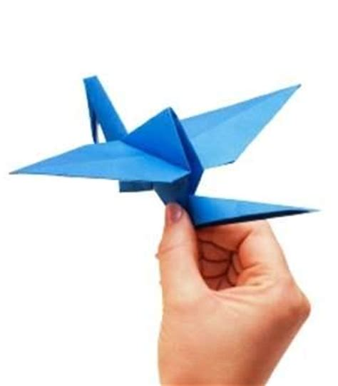 Flying Origami Crane - origami flying birds lovetoknow