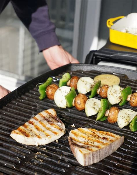 how long do you cook swordfish on the grill