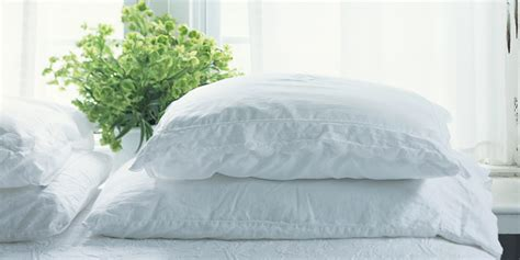 how to clean bed pillows how to clean pillows cleaning bed pillows