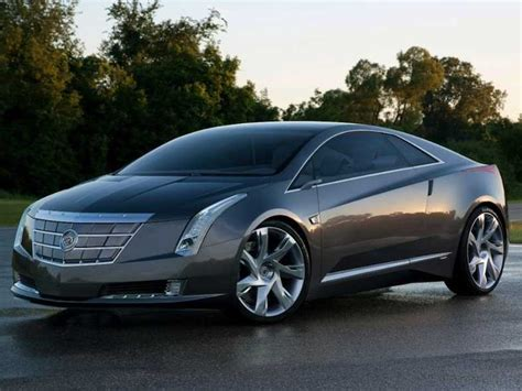 cadillac elr electric car gm will deliver 500 000 electric and hybrid cars by 2017