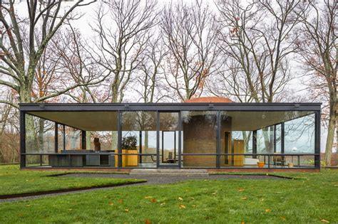 the glass house in connecticut