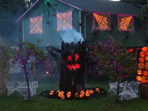 best halloween home decorations creepy and scary house decorations for halloween top