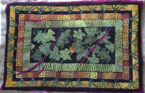rug hooking daily 1000 images about traditional rug hooking on