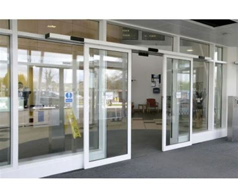 Automatic Sliding Glass Door Best 25 Automatic Sliding Doors Ideas On Sliding Door Systems Farmhouse Patio