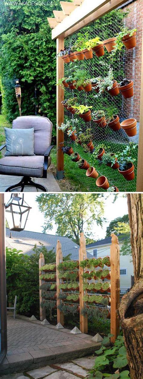 decorare vasi terracotta vasi di terracotta per abbellire il giardino 15 idee da