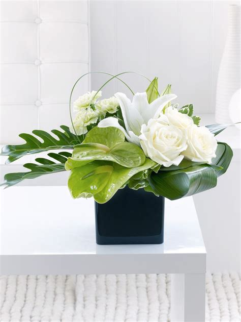 white flower table l 17 best images about floral design styles on