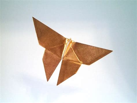 Classic Origami - yoshizawa origami exhibition catalog by
