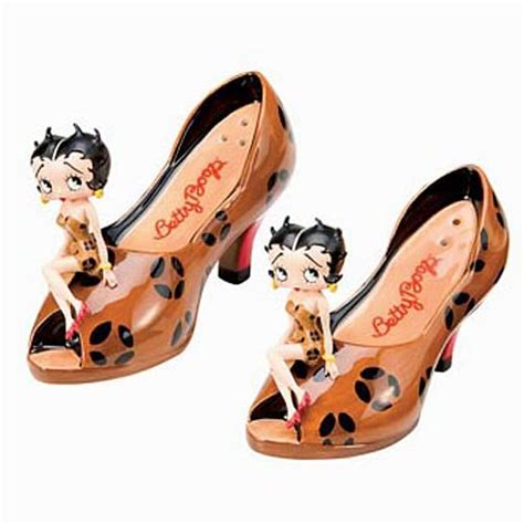 betty boop home decor betty boop leopard heels salt and pepper shaker set vandor betty boop home decor at