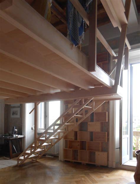 soppalco libreria gallery of costruzione di un soppalco sospeso in legno di