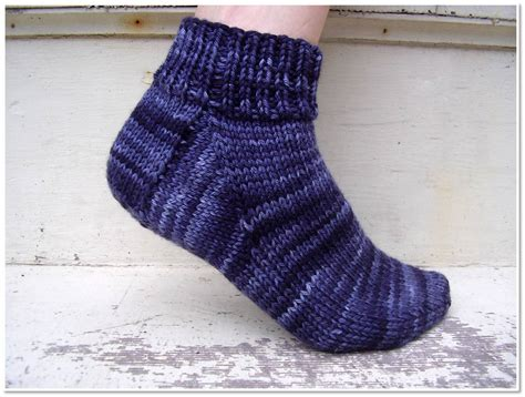 pattern socks free free sock knitting pattern for beginner s freshstitches