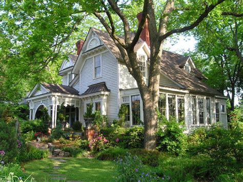 antique homes for hooked on houses