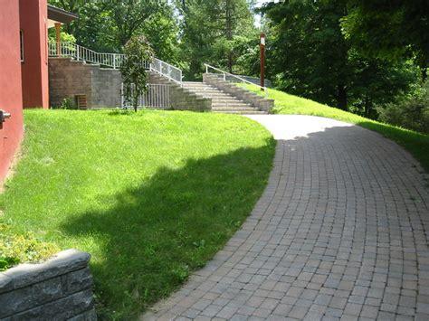 Garden Patio Paving Designs by Paving A Patio Paving Patio Design Garden Paver Patio