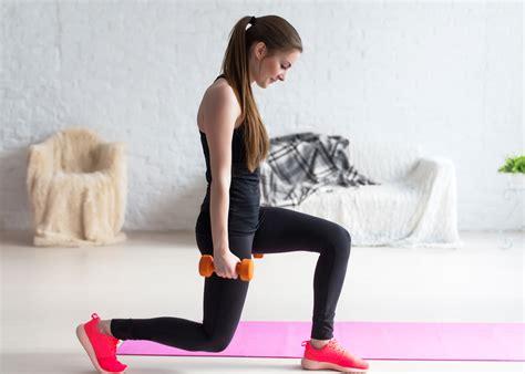 allenamento tricipiti a casa esercizi per le braccia con pesi bicipiti e tricipiti a casa
