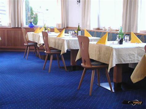 speisesaal tisch abstand poi hotel seehauser region tsch 246 gglberg