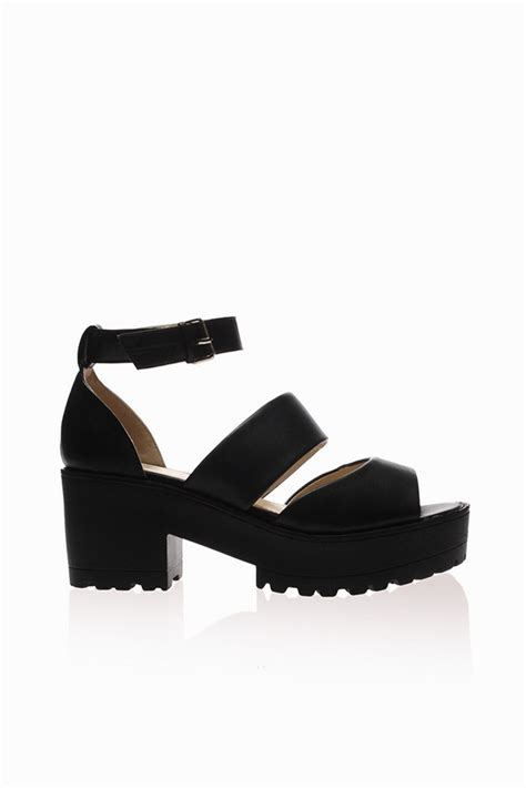 black platform sandals fox