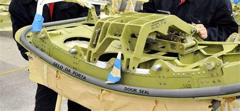 cabin pressure how do door seals work aviation stack
