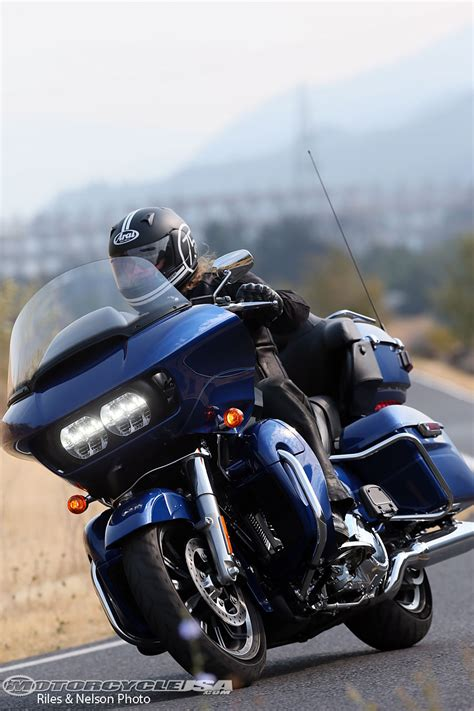 hd review 2016 harley davidson road glide ultra ride review
