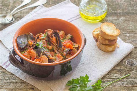 cucinare frutti di mare ricetta zuppa di frutti di mare agrodolce