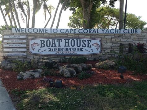 the boat house cape coral boat house tiki bar grill picture of cape coral yacht club cape coral tripadvisor