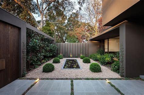 Home Entrance Decor Ideas Exquisite Melbourne Residence Is A Minimalist S Delight