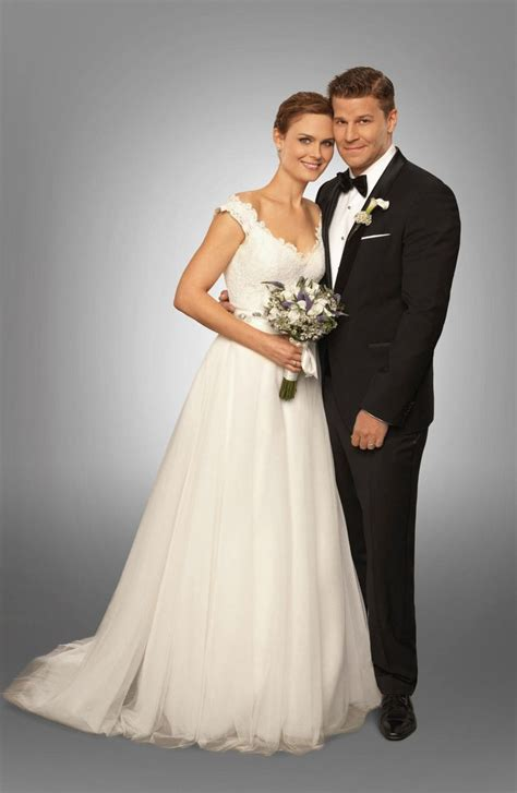 the in white emily deschanel and david boreanaz on