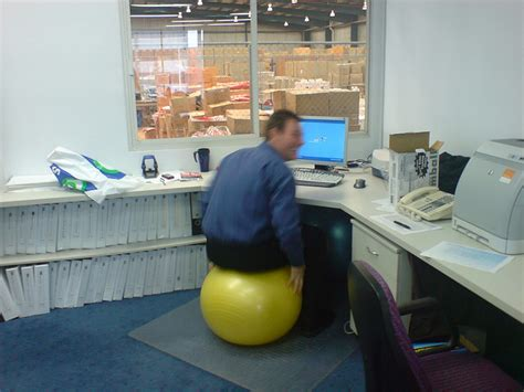 how to sit comfortably with hemorrhoids is sitting for a long time dangerous