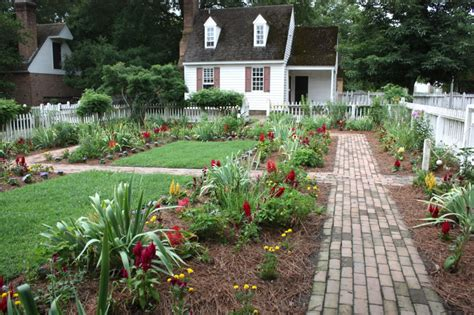 family garden williamsburg mountain musings bloomin tuesday gardens of colonial