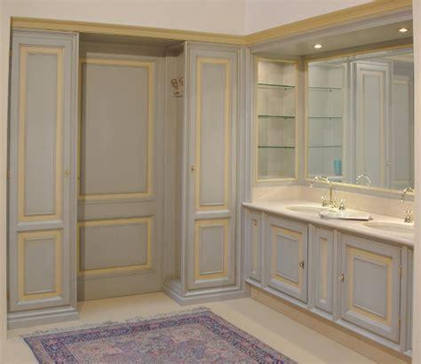 armadi per bagno cucine su misura in legno con boiserie e contro soffitti e