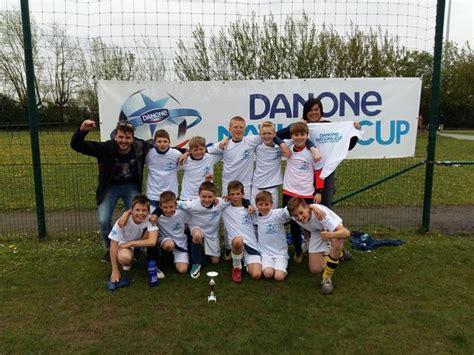 kinderlen voetbal scholieren leveren strijd voor provinciale finale danone