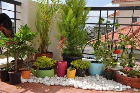small balcony decorating ideas on a budget 13 awesome ways to decorate your balcony with pebbles