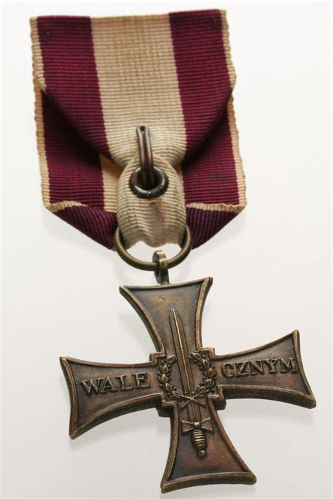 Types Of Medals Recipients Of The Cross Of Valour Poland Twice