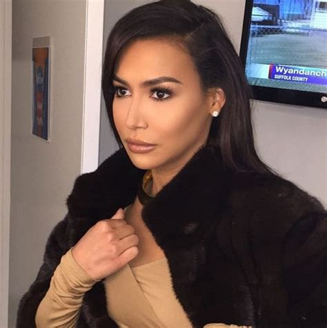 Eyeliner Rivera the gorgeous naya rivera wearing tilbury for the view and understated this