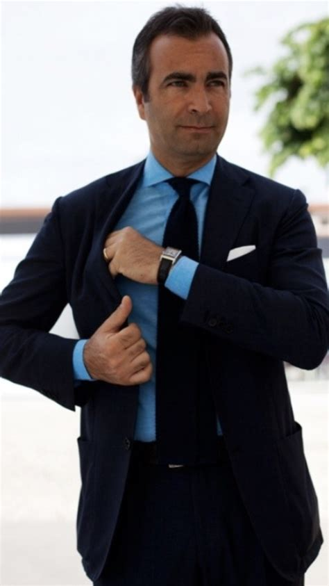 what color goes with black what colour of tie goes with a black suit and a navy blue