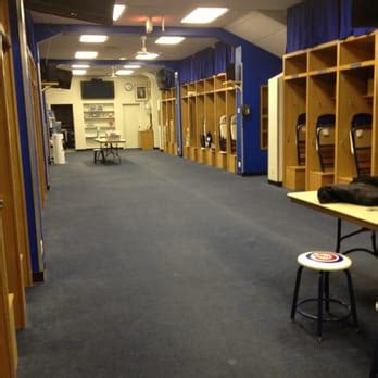 cubs locker room wrigley field tours 50 photos tours wrigleyville chicago il reviews yelp
