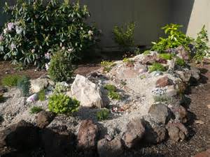 Pictures Of Small Rock Gardens 15 Cool Small Rock Garden Ideas Design Inspiration Qatada