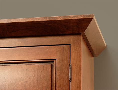 Kitchen Cabinet Door Trim Molding Cliqstudios Angle Crown Molding Is Typically Used With Our Mission Or Shaker Kitchen Cabinet