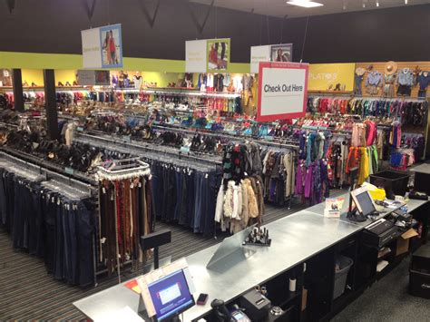 Platos Closet New Jersey by Local Plato S Closet 174 Is Now Open To Buy Used Clothing