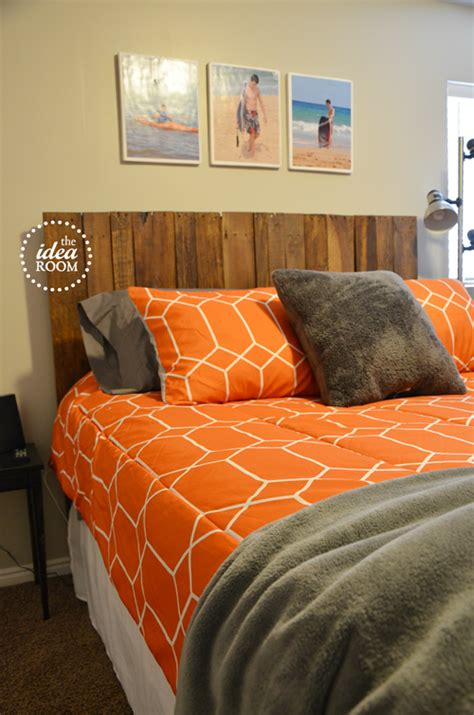 Diy Headboards For Boys by Diy Pallet Headboard The Idea Room